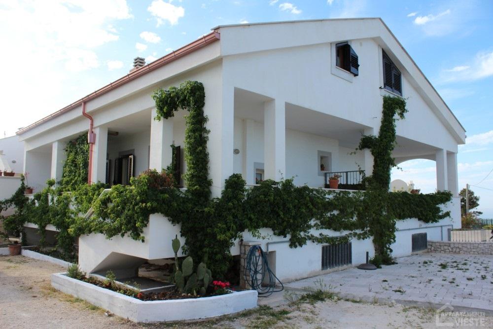 Casa vacanze vieste grates villa appartamenti vacanze for Appartamenti vieste