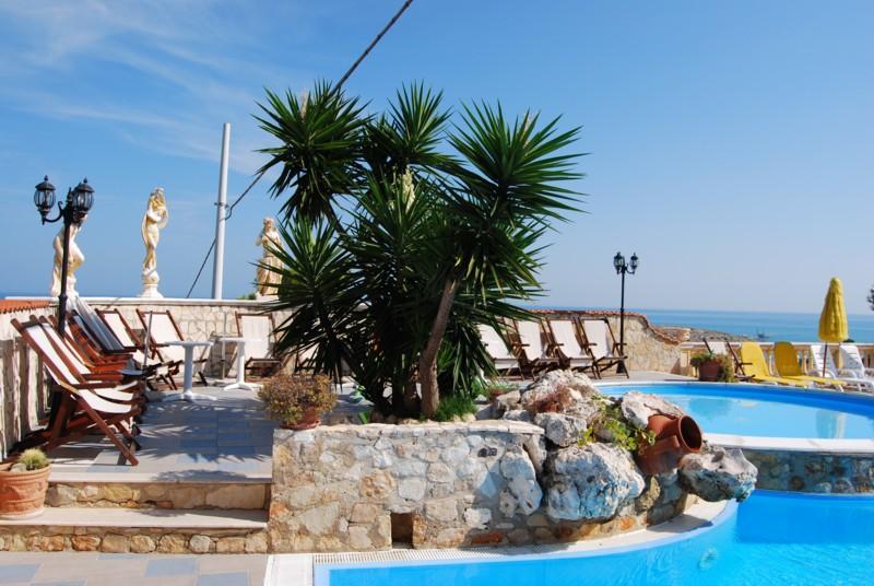 Villaggio mascia vieste gargano con piscina appartamenti for Appartamenti vieste