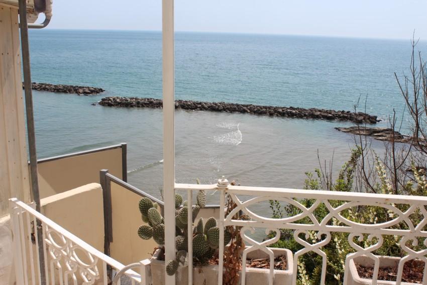 Casa vacanze terrazza sul mare vieste appartamenti for Appartamenti barcellona sul mare